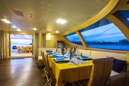 Hutiane (ex La Sella Del Diavolo) Catamaran 31M Interior 1
