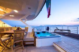 Hutiane (ex La Sella Del Diavolo)  Catamaran 31M Interior 10