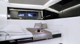 Nomad IV   Maxi Dolphin FC100 Interior 7