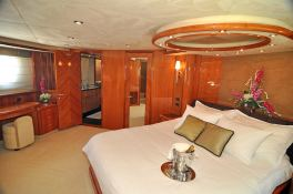 Manhattan 82 Sunseeker Interior 4