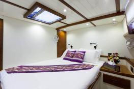 Dallinghoo   Ketch  24M Interior 12