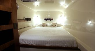Slim Catamaran Gunboat 66 Interior 4
