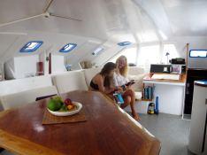 Catamaran 43'  Interior 1