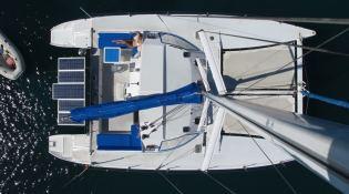 Catamaran 43'  Exterior 3