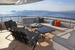 Aurelia  Heesen Yacht 37M Interior 12