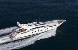 Lisa IV (ex Auspicious) Leopard Yachts Leopard 46M Exterior 2