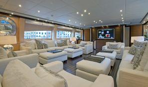 Lisa IV (ex Auspicious) Leopard Yachts Leopard 46M Interior 3
