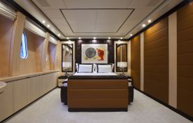 Lisa IV (ex Auspicious) Leopard Yachts Leopard 46M Interior 6