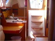 Sun Odyssey 32i Jeanneau Interior 1