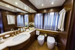 India Benetti Classic 35M Interior 5