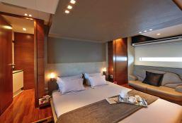 Quantum Peri Yachts 28M Interior 4