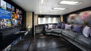 KOJI  Leopard Yachts Leopard 34M Interior 4