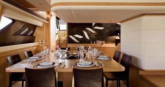 Maxi Beer  Ferretti Yacht 881 Interior 2