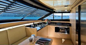 Maxi Beer  Ferretti Yacht 881 Interior 5