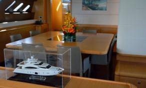 Maxi Beer  Ferretti Yacht 881 Interior 7