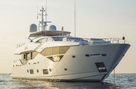 N°9  Sunseeker Sport Yacht 115 Exterior 3