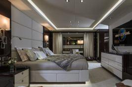 N°9  Sunseeker Sport Yacht 115 Interior 6