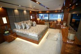 N°9  Sunseeker Sport Yacht 115 Interior 7