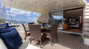 ESTIA YI  Ferretti Yacht 880 Interior 11