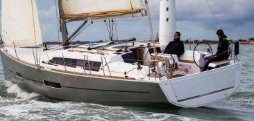 Dufour 38 Dufour Yachts Exterior 4