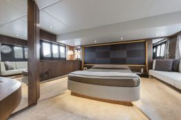 Tequila  Absolute Yachts Absolute 52 Fly Interior 3