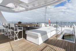 Sail 80' Sunreef Catamaran Exterior 8