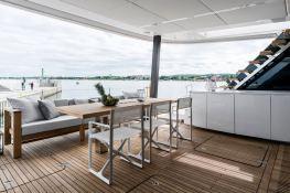 7X Split  Sunreef Catamaran Sail 80' Interior 13
