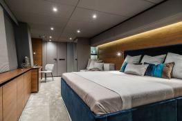 7X Split  Sunreef Catamaran Sail 80' Interior 9