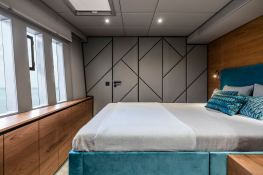 7X Split  Sunreef Catamaran Sail 80' Interior 10