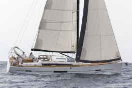 Dufour 520 GL with watermaker & A/C Exterior 2