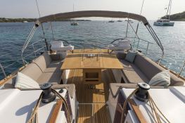 Dufour 520 GL with watermaker & A/C Exterior 3