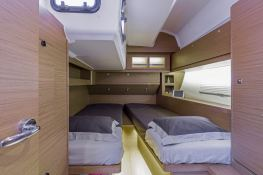 Dufour 520 GL with watermaker & A/C Interior 5