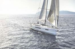 Sun Odyssey 440 Jeanneau Exterior 1