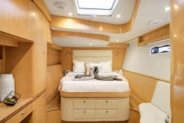 BLUE GRYPHON  Prout Catamaran Prout 83 Interior 2