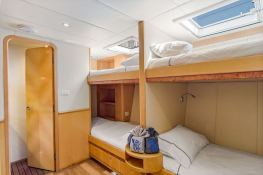 BLUE GRYPHON  Prout Catamaran Prout 83 Interior 4
