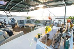 RELENTLESS  Sunreef Catamaran Sail 60 LOFT Interior 12