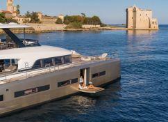 DOUBLE DOWN  Lagoon Catamaran Lagoon Motoryacht 78 Exterior 2