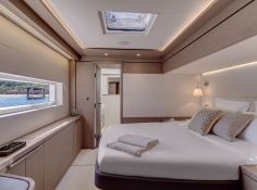 Frenchwest  Lagoon Catamaran Power 78 Interior 2