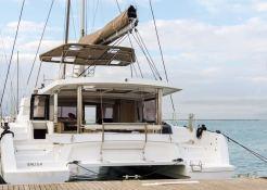 Bali 5.4 Catana Catamaran Exterior 2