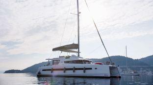 Bali 5.4 Catana Catamaran Exterior 1
