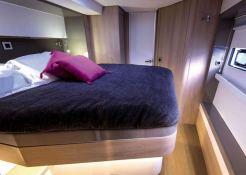 ELENA  Catana Catamaran Bali 5.4 Interior 7