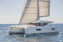 Astrea 42 with watermaker & A/C Exterior 2