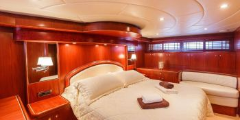 Johnson Baby  Johnson Yachts Johnson 87 Interior 7