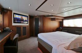 MOGUL  Sunseeker Yacht 90 Interior 2