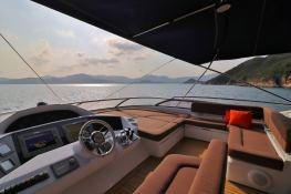 MOGUL  Sunseeker Yacht 90 Interior 9