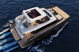 Power 70 Sunreef Catamaran Exterior 2