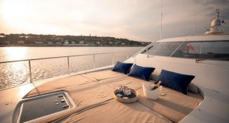 ELLERY A   Leopard Yachts Leopard 24 Interior 6