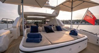 ELLERY A   Leopard Yachts Leopard 24 Interior 8