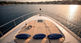 ELLERY A   Leopard Yachts Leopard 24 Interior 11