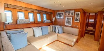 ELLERY A   Leopard Yachts Leopard 24 Interior 12